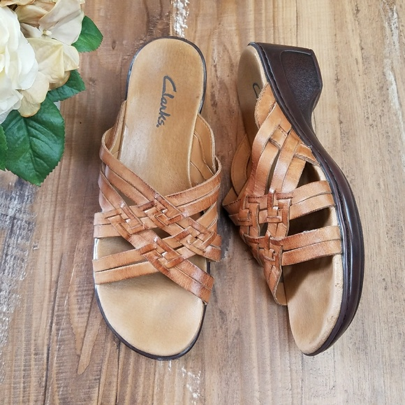 9eea5dbcc49d Clarks Shoes - Clarks womens leather clog open toe sandals